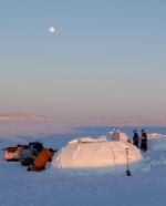 Building an Igloo in Nunavik